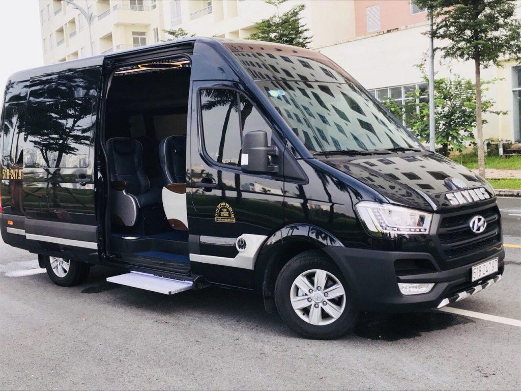 Xe-Vip-Limousine-Hoàng-Yến-Express