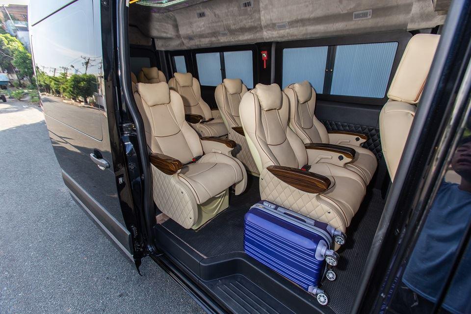 Xe Limousine 11 chỗ