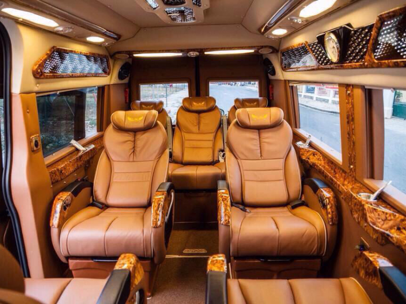 Xe Limousine 9 chỗ