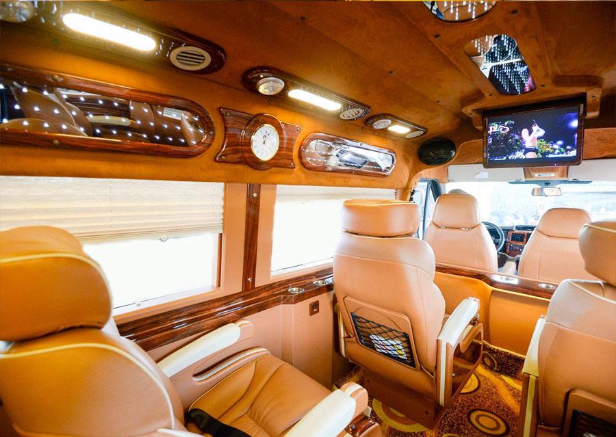 Hãng xe Daily Limousine - Sang trọng và tiện nghi